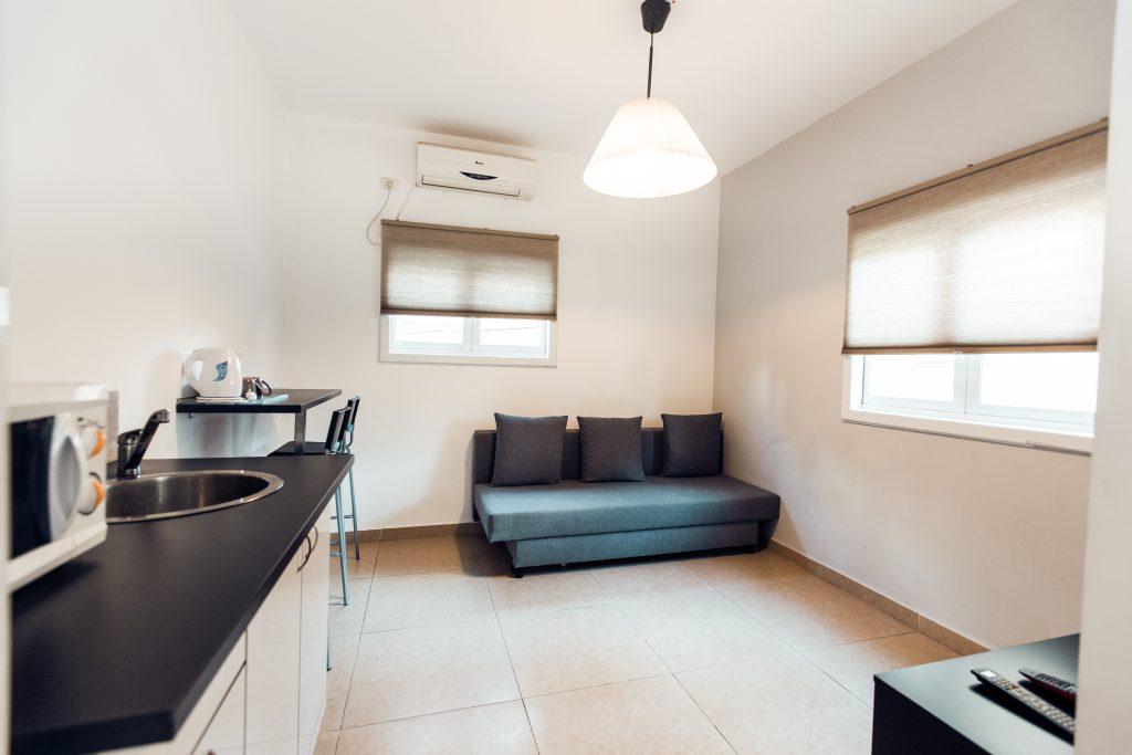 Cozy Flat Near The Kikar Netanya rent apartements