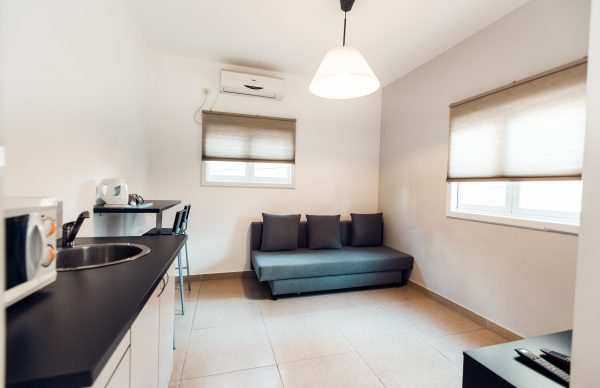 Cozy Flat Near The Kikar Netanya rent apartements
